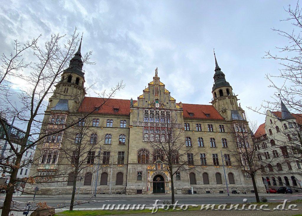 Außenansicht vom prachtvollen Landgericht Halle