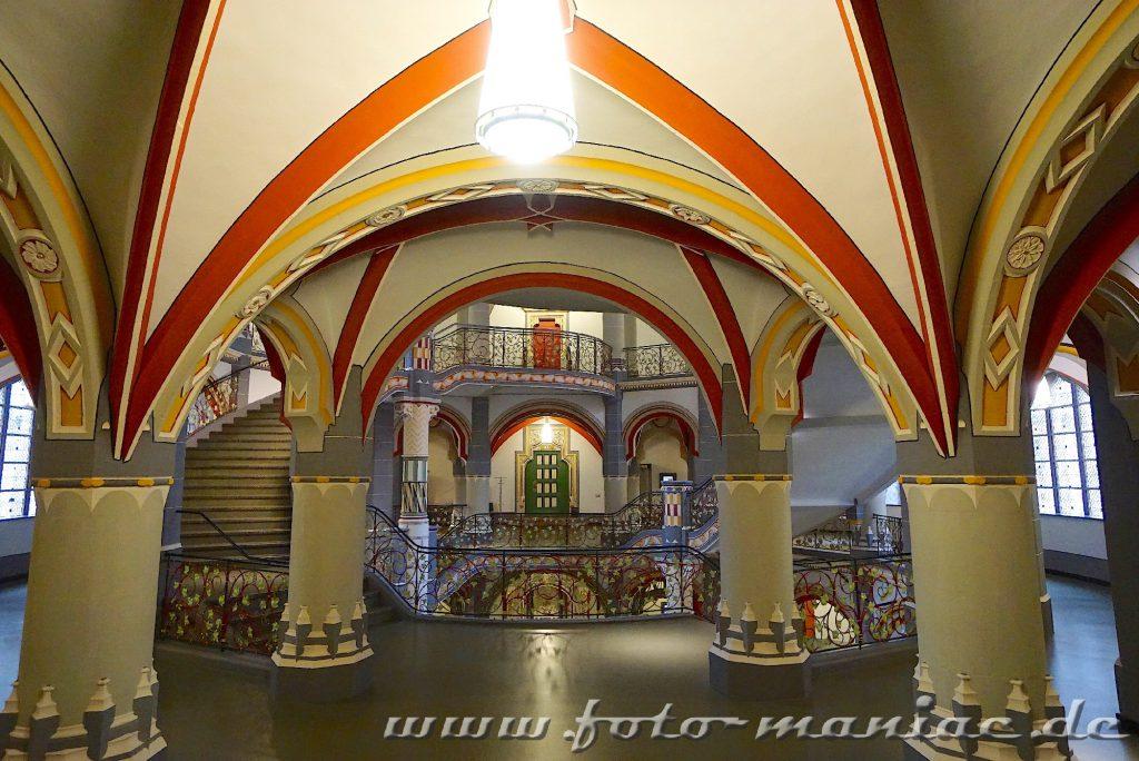 Treppe im prachtvollen Landgericht in Halle