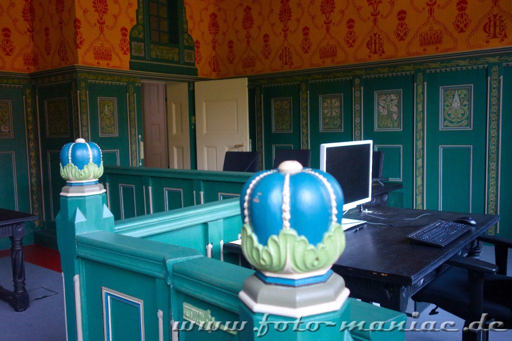 Sitzungssaal im prächtigen Landgericht in Halle