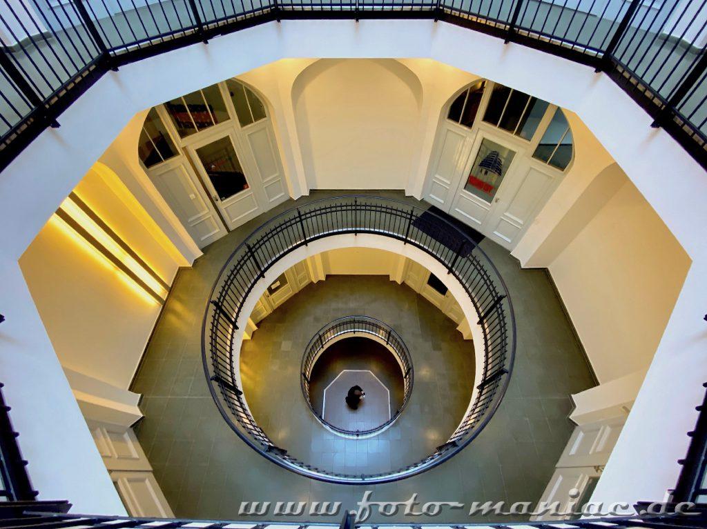 Hamburgs schöne Spiralen - Treppenhaus im Afrikahaus