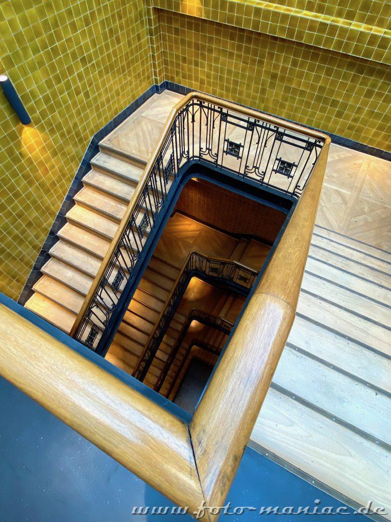 Hamburgs schöne Spiralen - Treppenaufgang im Alten Klöpperhaus