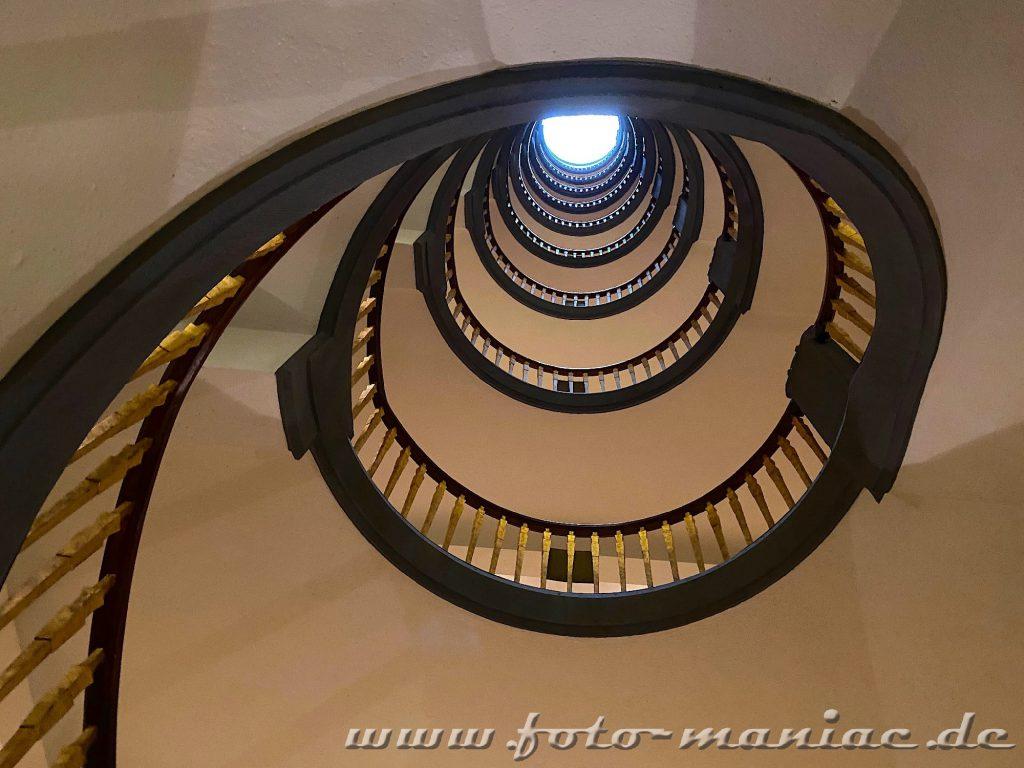 Hamburgs schöne Spiralen - Treppenhaus im Meßberghof