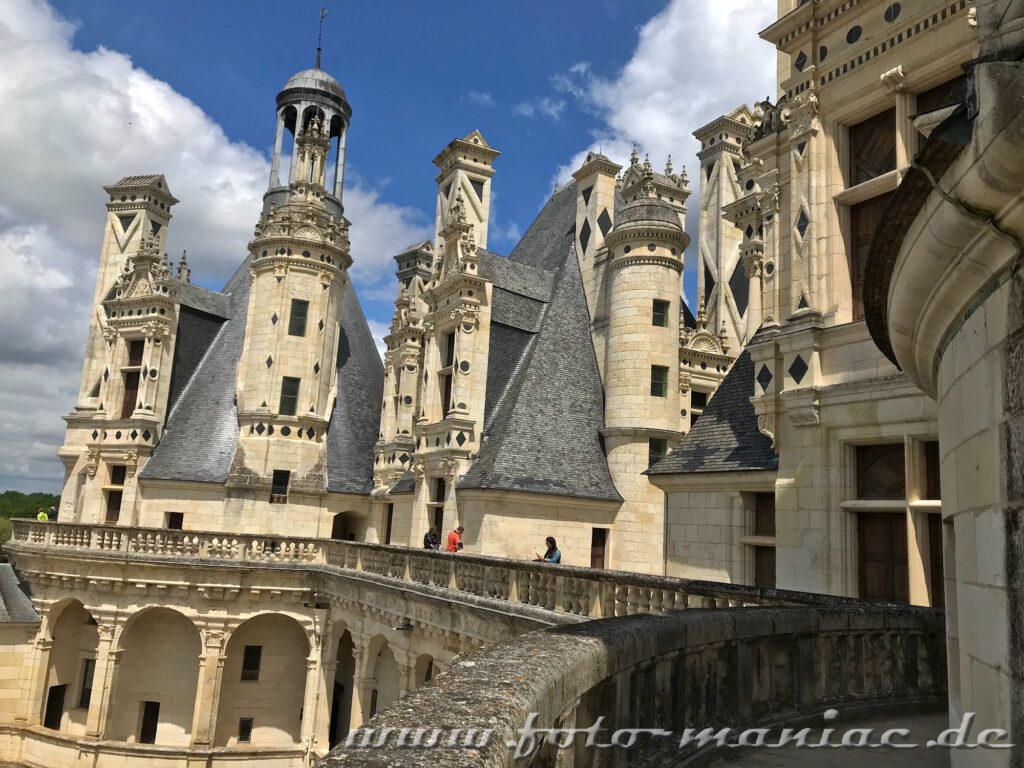 Dicht drängen sich die Türme von Chateau Chambord