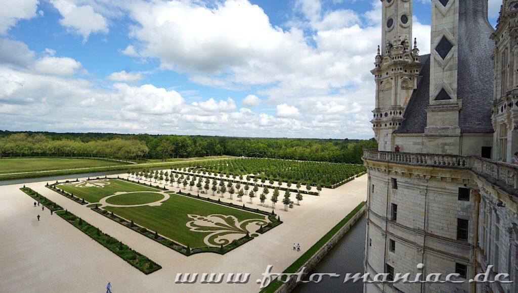 Akribisch gepflegte Gartenanlage von Chateau Chambord