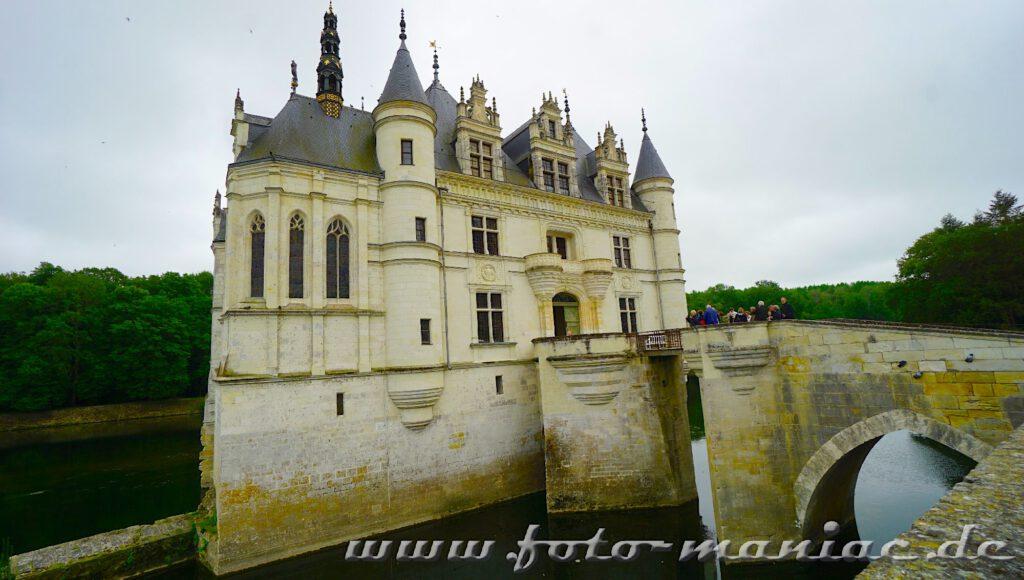 Aus dieser Perspektive sieht das Chateau Chenonceau aus wie ein Ozeandampfer