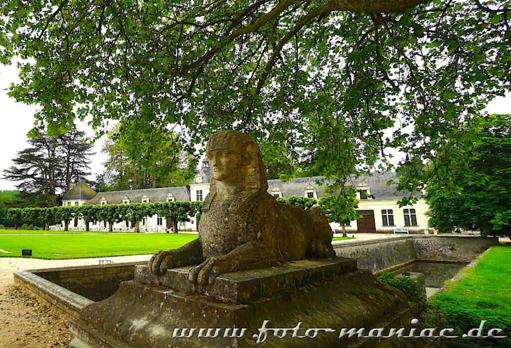 Sphinx am Wassergraben im Chateau Chenonceau