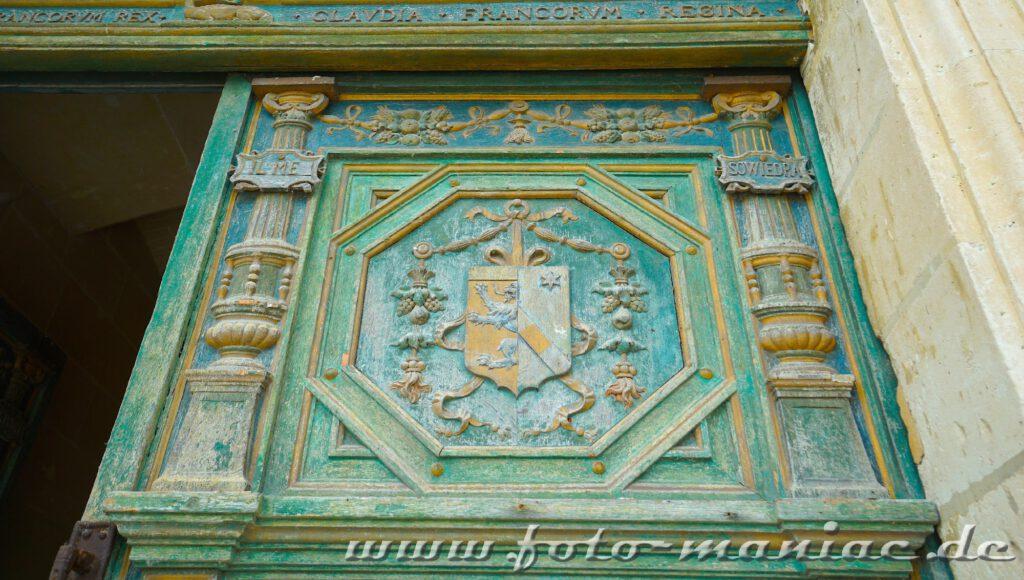 Tür mit Wappen