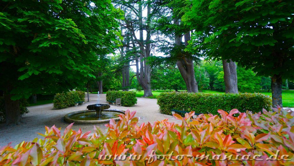 Kleiner Springbrunnen im Garten von Chateau Chenonceau