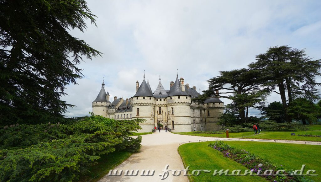 Auf dem Weg zum burgähnlichen Chateau Chaumont