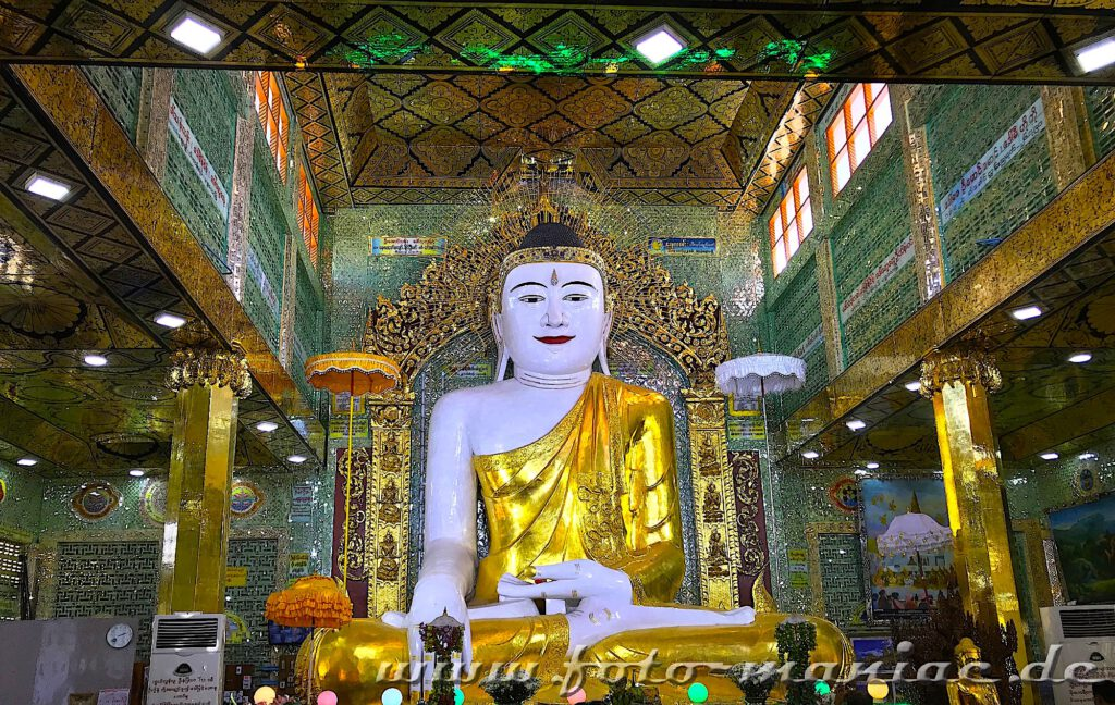 Zauber von Myanmar - Buddha inmitten farbenprächtiger Kulisse in der Soon U Ponys Shin Pagode