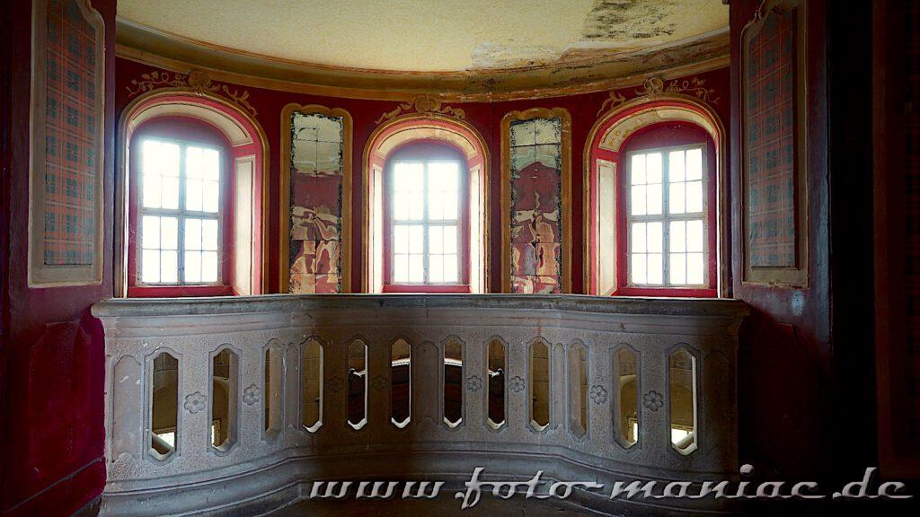 Dekoratives Treppenhaus im traumhaften Schloss Vitzenburg
