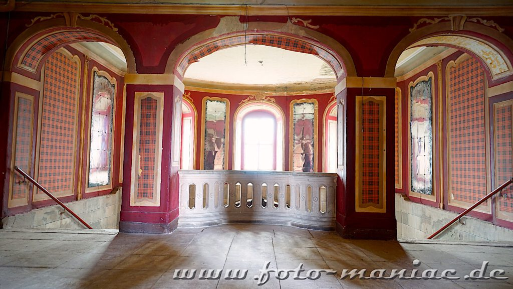 Repräsentatives Treppenhaus im traumhaften Schloss Vitzenburg