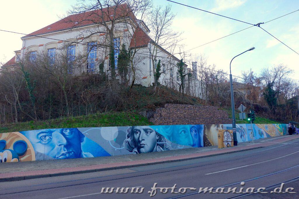 Porträts deutscher Dichter auf eine Mauer gesprayt