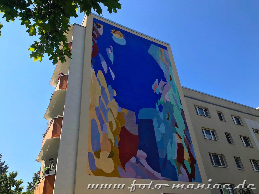 Schöne Graffiti an einer Giebelwand