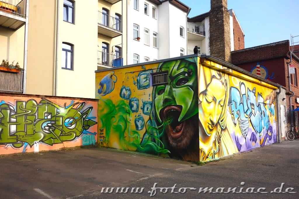 Schöne Graffiti auf einem Anbau
