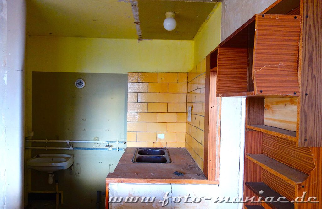 Blick in eine Einbauküche