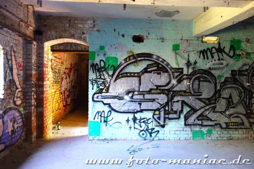 Graffito in der verlassenen Spritfabrik in Halle