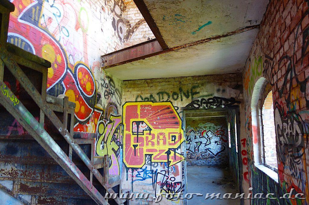 Treppenhaus in der verlassenen Spritfabrik in Halle