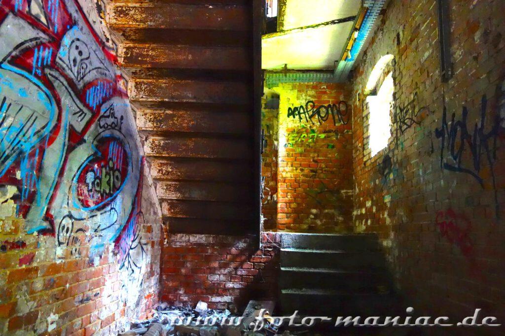 Treppe in der verlassenen Spritfabrik in Halle
