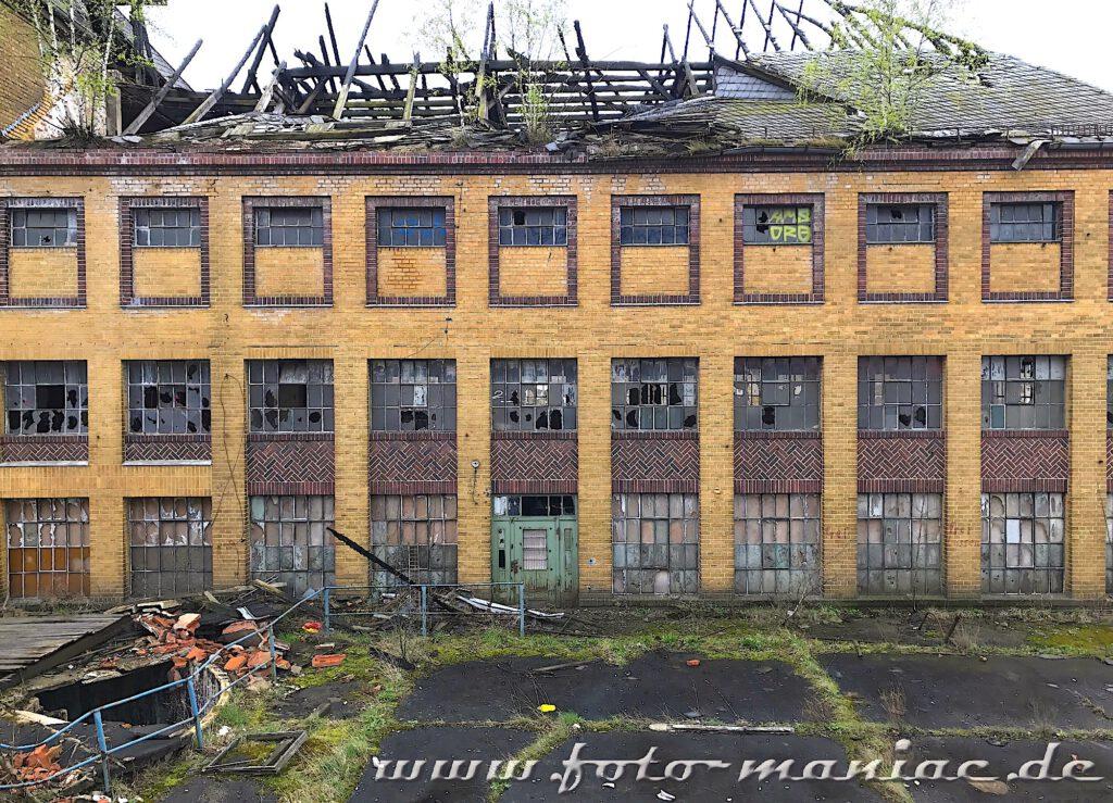 Blick auf eine Halle der verlassenen Brauerei Sternburg