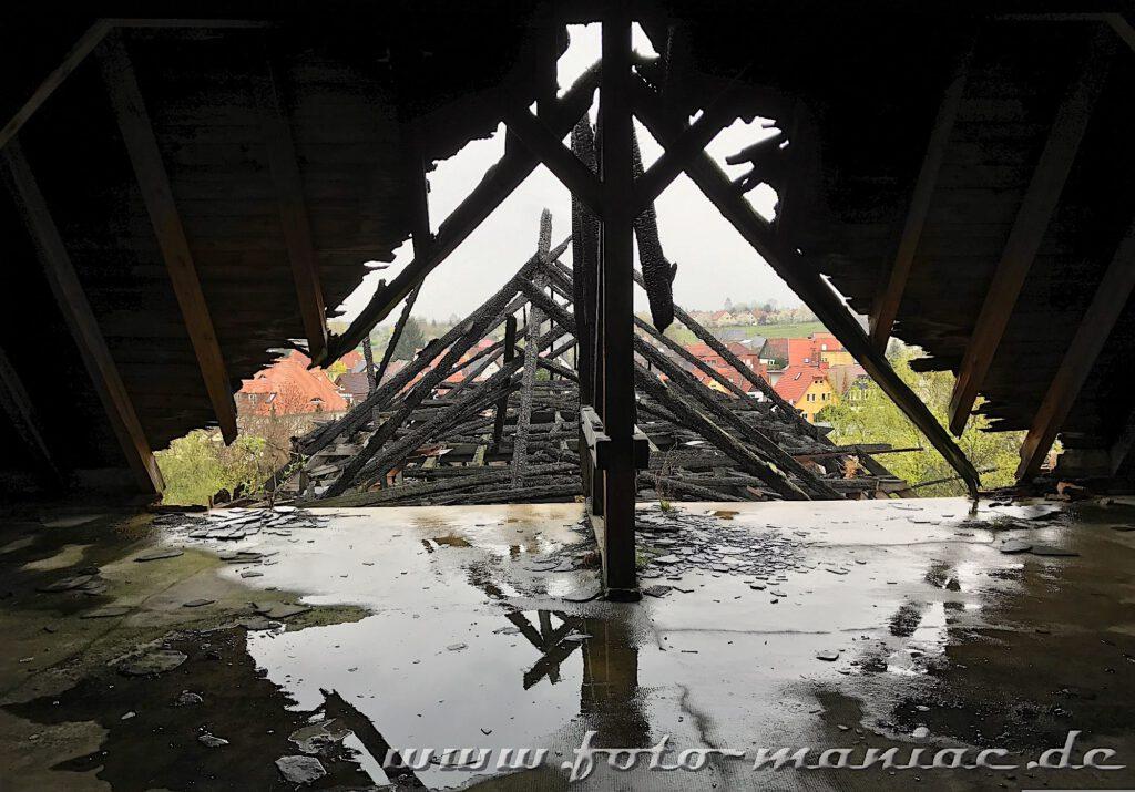 Durch Feuer zerstörtes Dachgeschoss der Brauerei Sternburg