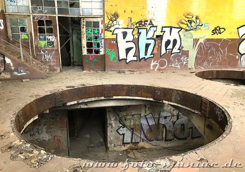 Kessel in der verlassenen Brauerei Sternburg ist abgebaut, nur noch die Öffnung ist zu sehen
