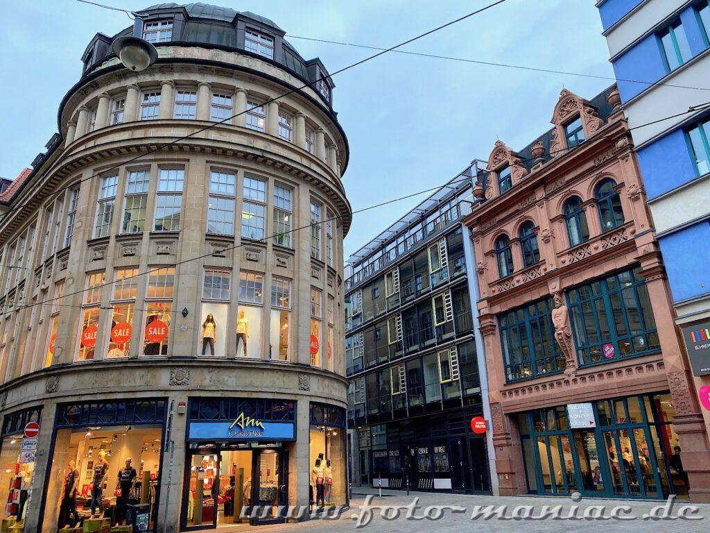 Schöne Fassaden in der Innenstadt von Halle