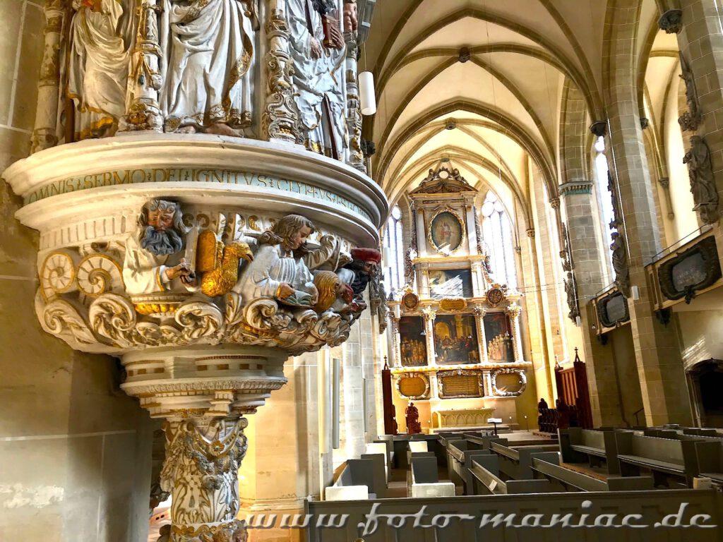 Blick in den Dom von Halle