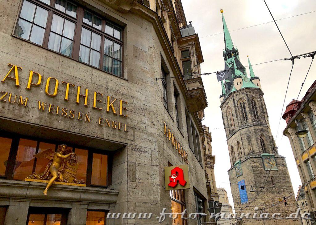 Blick von der Ulrichstraße zum Roten Turm, eine der fotogenen Ecken in Halle