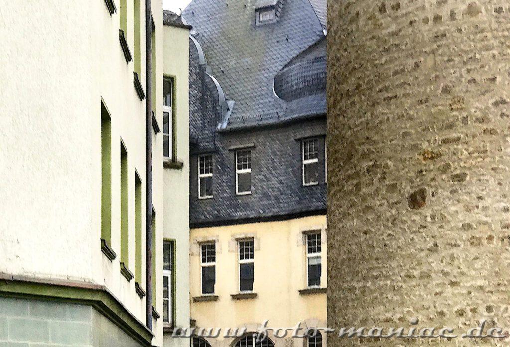 Leipziger Turm mit benachbarten Häusern
