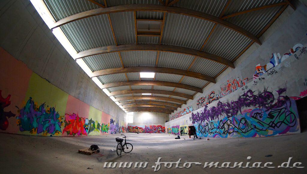 Graffiti im Sportkomplex in Halle nur für eine kurze Zeit