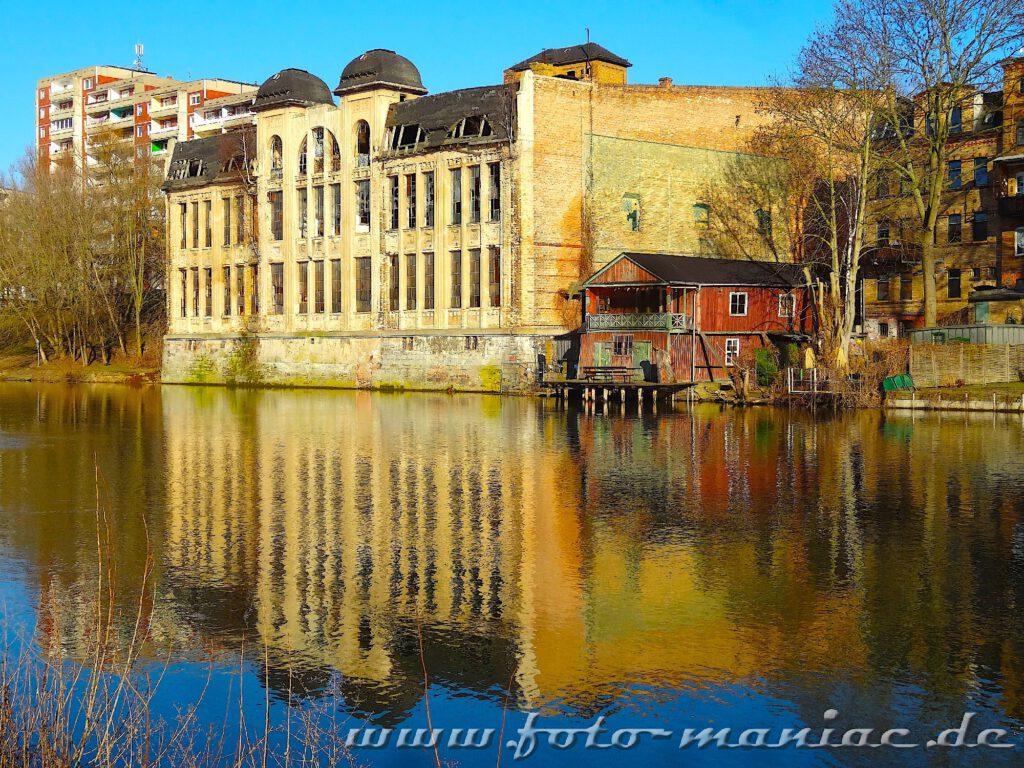Das Fabrikgebäude der maroden Freyberg Brauerei in Hall
