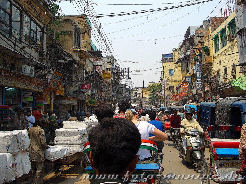 Chaotische Straßenverkehr in Delhi