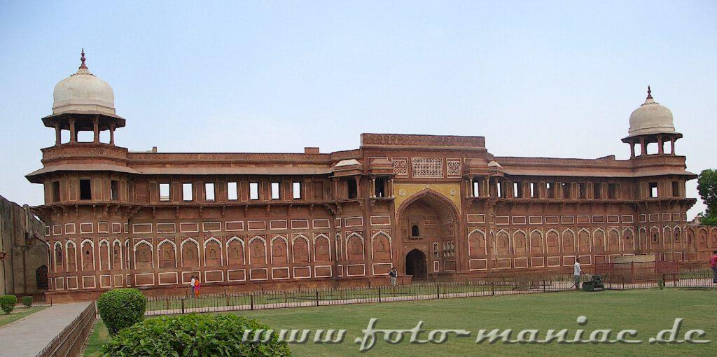Das Rote Fort in Agra auf der Bustour durch Indien entdeckt