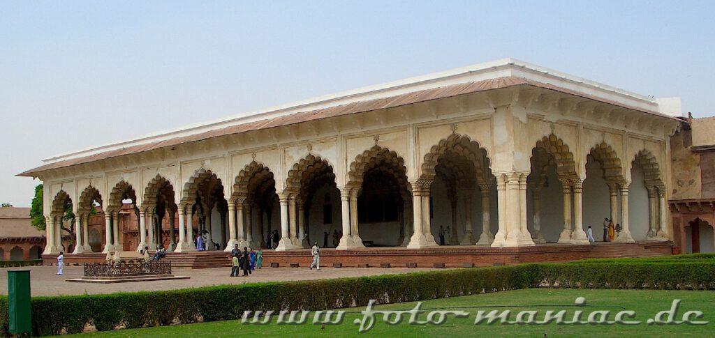 Die Audienzhalle im Roten Fort von Agra