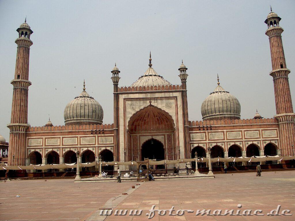 Vor Jama Masjid - die Freitagsmoschee in Delhi