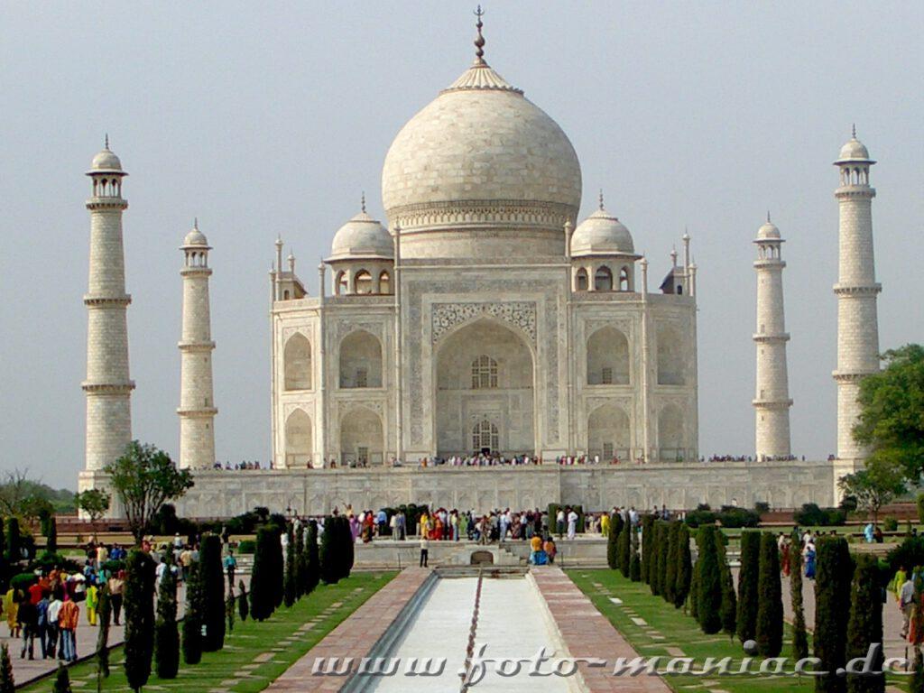 Das Taj Mahal, eine Station der Bustour durch Indien