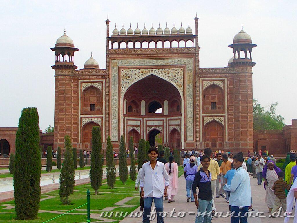 Eingangsgebäude zum Taj Mahal