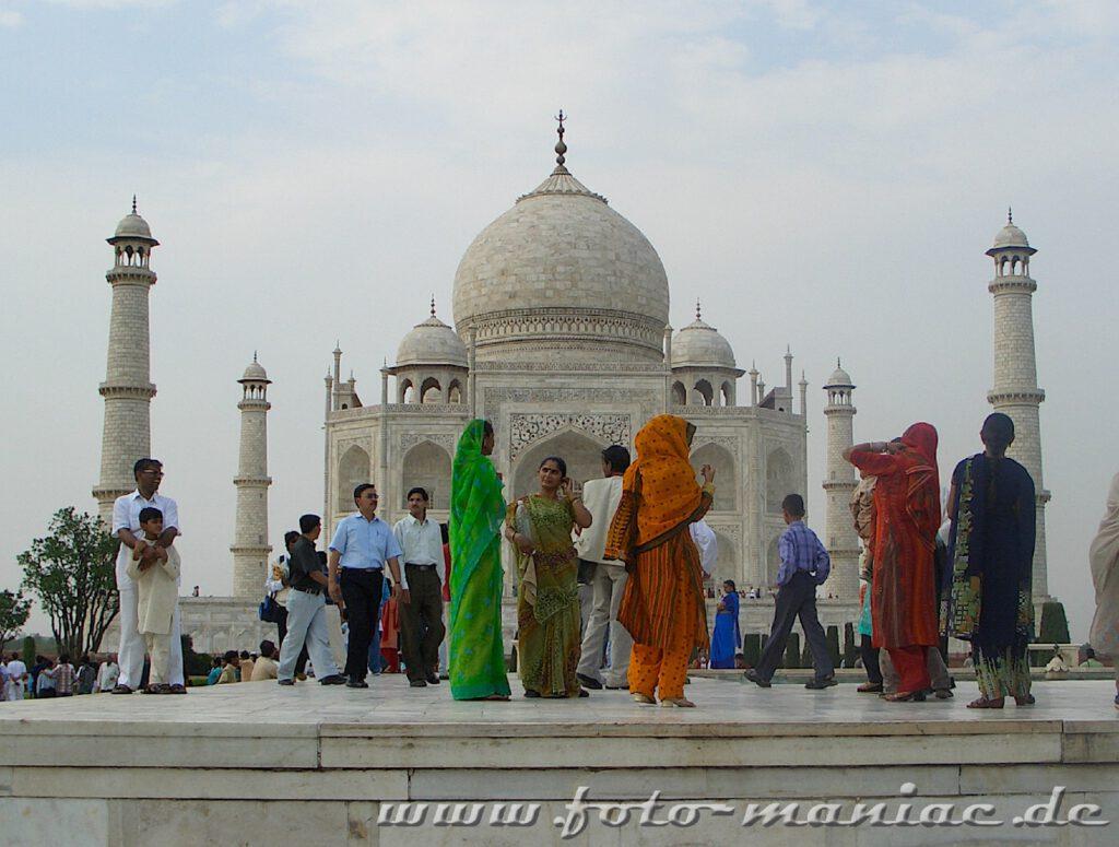 Bustour durch Indien mit Station beim Taj Mahal