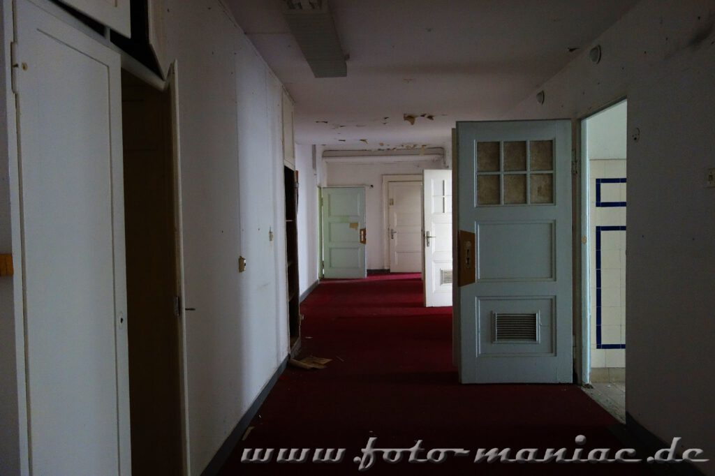 Geöffnete Türen im Stadtbad Leipzig