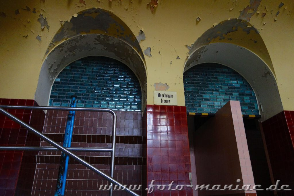 Treppenaufgang in der Frauenschwimmhalle