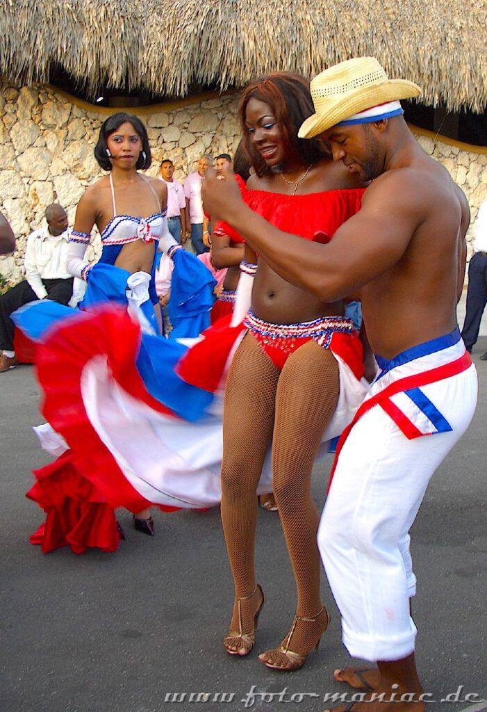 Mit einem mitreißenden Merengue werden die Gäste in Punta Cana begrüßt