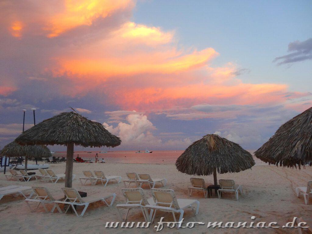 Abendrot im Paradies in der Karibik