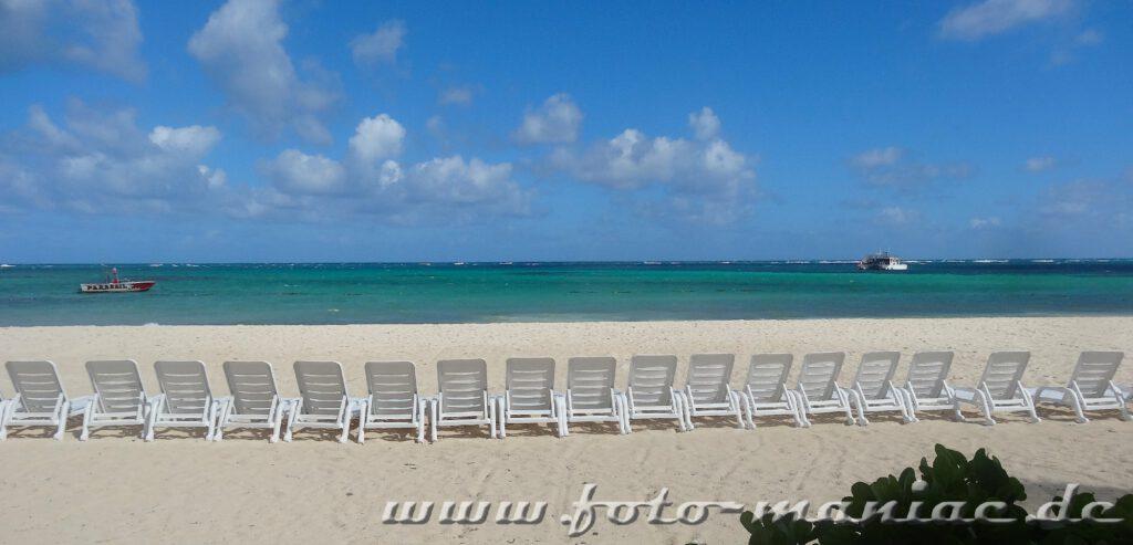 In der ersten Reihe im Paradies in der Karibik sitzen
