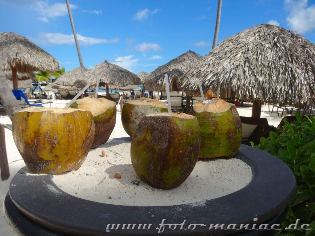 Drinks aus der Kokosnuss