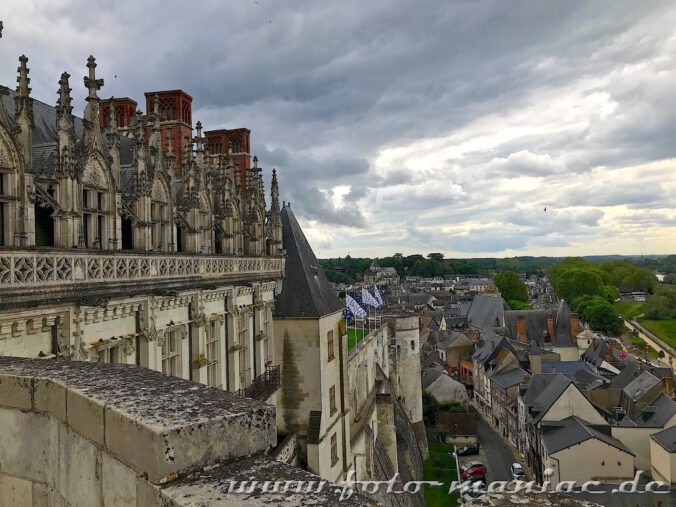 Die hohen Mauern können nicht abschrecken von einem Besuch im Schloss Amboise