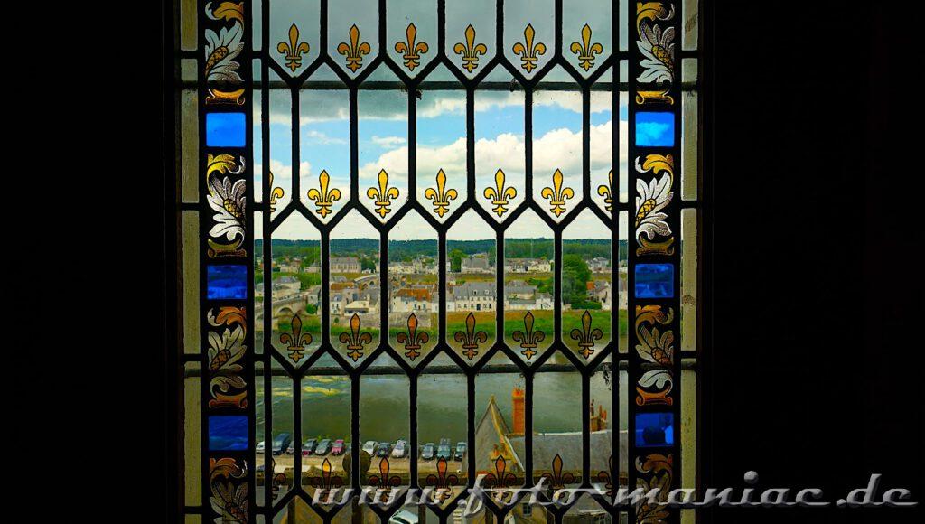Fensterblick aus dem Schloss Amboise auf die Loire und die Stadt