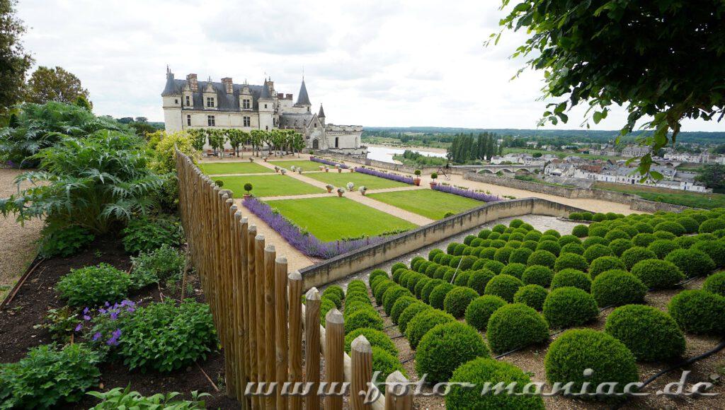 Beim Besuch im Schloss Amboise sollte sich man sich auch für den Garten Zeit nehmen