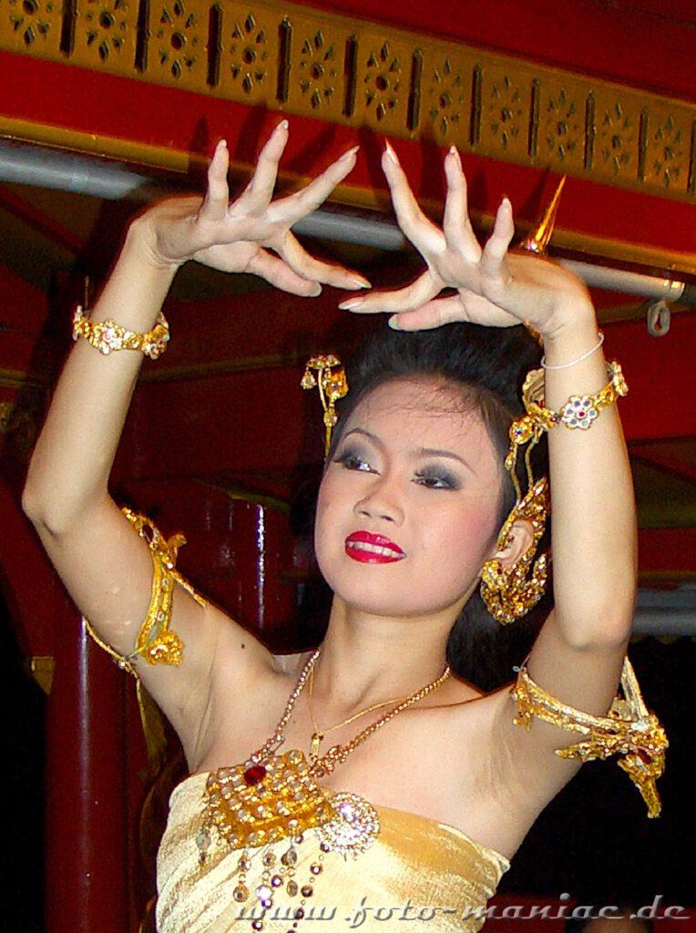 Grazile Handbewegungen beim Tanzen