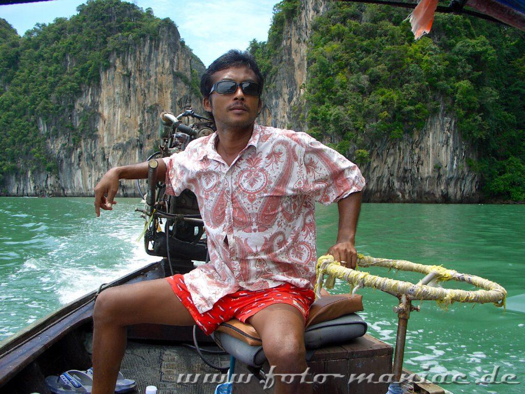 Thailands schmucke Juwelen - mit dem Longtailboot geht es auf eine einsame Insel